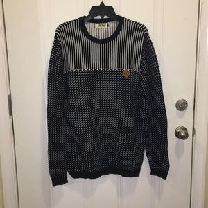 Soft Knit patterned crewneck Pullover sweater